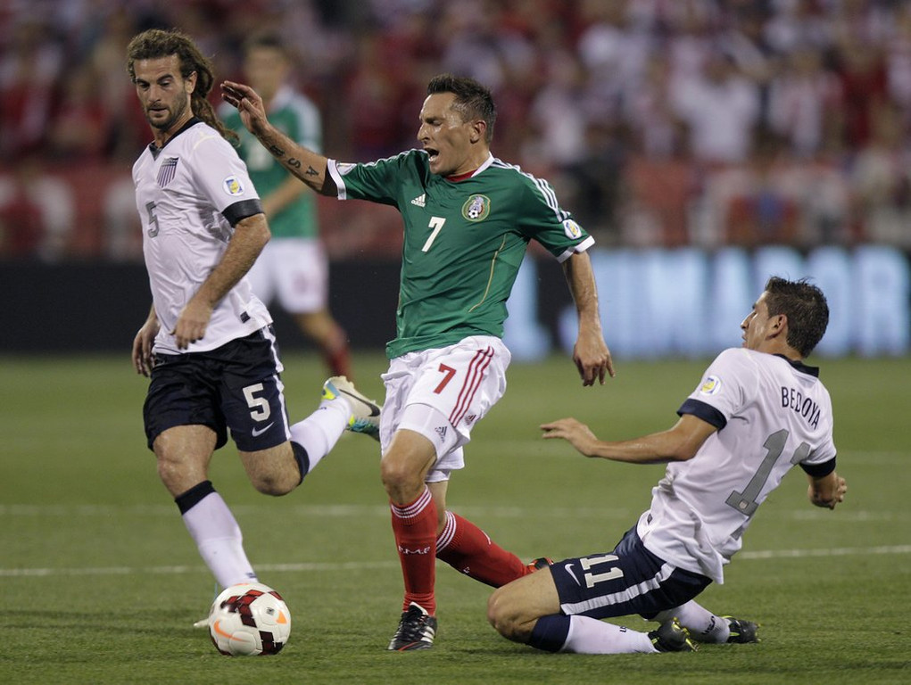 """. <p>6. MEXICAN NATIONAL SOCCER TEAM <p>Looking ahead to the 2014 World Cup, which they will watch on television. (unranked) <p><b><a href=\'http://www.latimes.com/sports/sportsnow/la-sp-sn-us-mexico-world-cup-tv-ratings-20130911,0,2393720.story#axzz2ebtWBZU3\' target=\""""_blank\""""> HUH?</a></b> <p>    (AP Photo/Jay LaPrete)"""