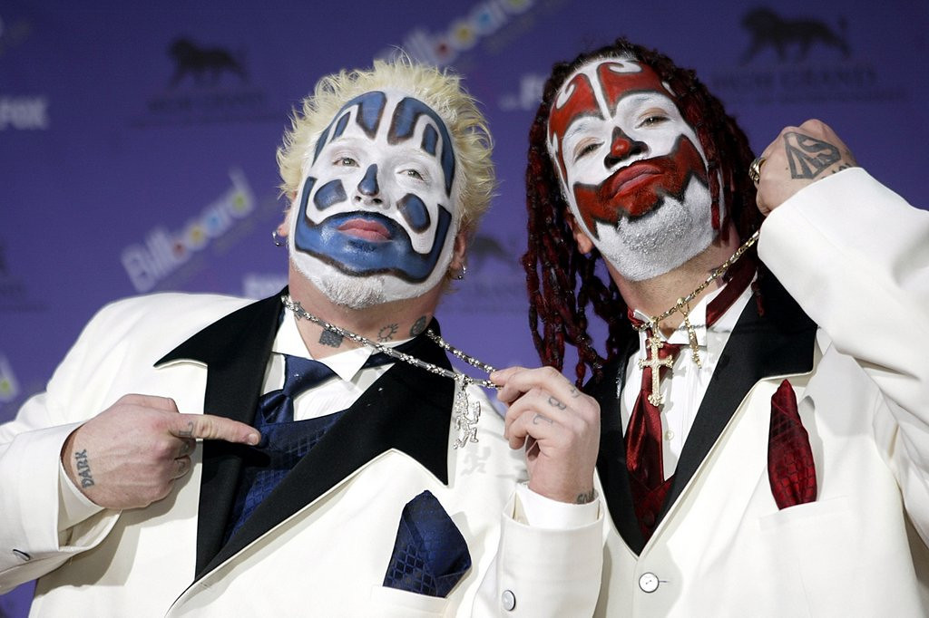 """. <p>10. (tie) INSANE CLOWN POSSE <p>How dare the FBI label their fans a �loosely organized hybrid gang.� They�re a freaking posse! (unranked) <p><b><a href=\'http://www.nydailynews.com/news/national/insane-clown-posse-sues-fbi-article-1.1569815\' target=\""""_blank\""""> HUH?</a></b> <p>    (Carlo Allegri/Getty Images)"""