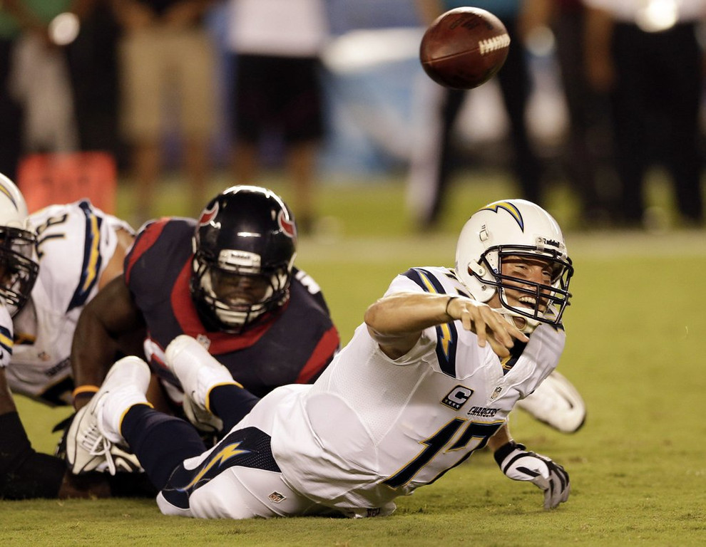 """. <p>5. SAN DIEGO CHARGERS <p>Norv Turner�s old team has gotten the blowing of three-touchdown leads down to a SCIENCE. (unranked) <p><b><a href=\'http://www.twincities.com/sports/ci_24058294/san-diego-chargers-blow-21-point-lead-lose\' target=\""""_blank\""""> HUH?</a></b> <p>    (AP Photo/Gregory Bull)"""