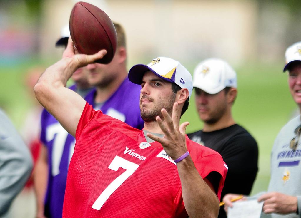 . Minnesota Vikings quarterback Christian Ponder throws a pass. (Pioneer Press: Ben Garvin)