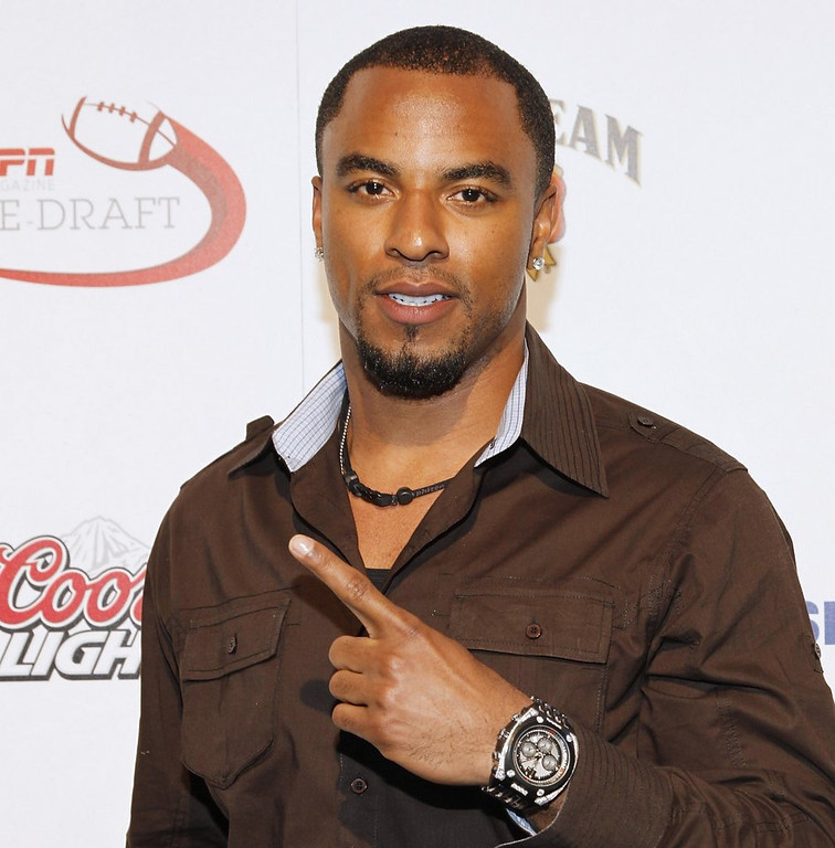""". <p>5. DARREN SHARPER <p>Former Viking-Packer hoping to limit his rape charges to only one state ... (unranked) <p><b><a href=\'http://www.twincities.com/breakingnews/ci_24941208/former-vikings-player-arrested-suspicion-rape\' target=\""""_blank\""""> HUH?</a></b> <p>    (Mark Von Holden/Getty Images for ESPN)"""