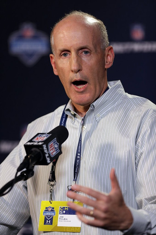 """. <p>6. JOE PHILBIN <p>Knew nothing about his Dolphins� Animal House locker room, yet he somehow keeps his job? (unranked) <p><b><a href=\'http://www.twincities.com/sports/ci_25189894/bullygate-dolphins-coach-joe-philbin-promises-better-work\' target=\""""_blank\""""> HUH?</a></b> <p>   (AP Photo/Michael Conroy)"""
