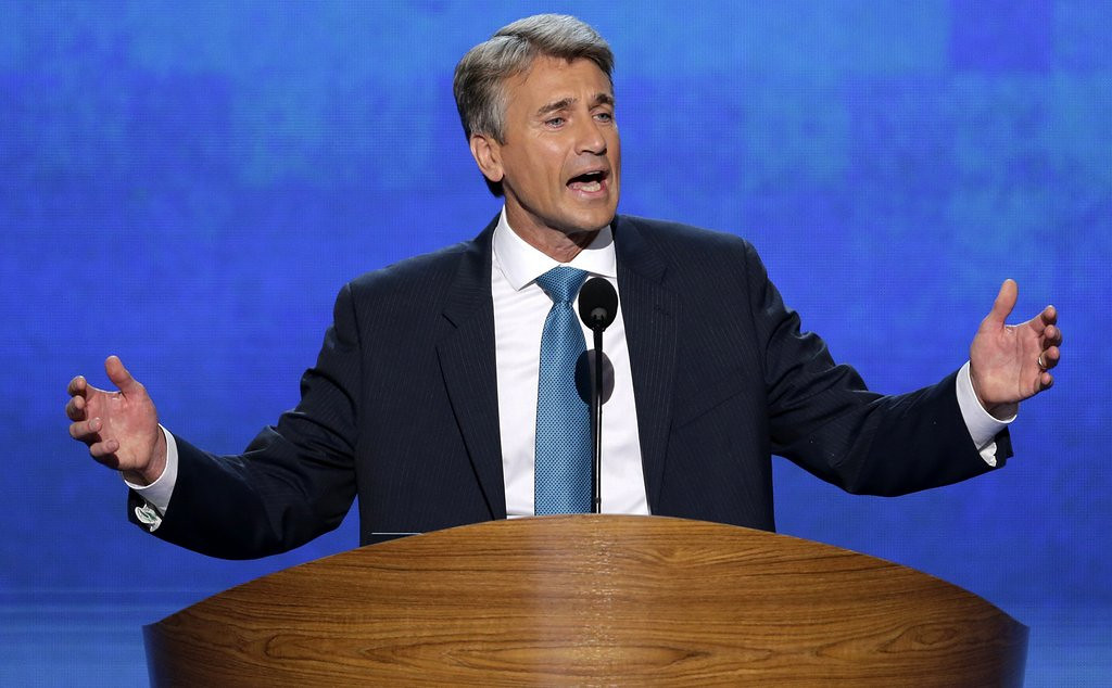 """. <p>6. R.T. RYBAK <p>Thinking only of Minneapolis taxpayers, selflessly schedules his heart attack AFTER leaving mayor�s office . (unranked) <p><b><a href=\'http://www.twincities.com/localnews/ci_24850476/ex-minneapolis-mayor-fine-spirits-one-day-after\' target=\""""_blank\""""> HUH?</a></b> <p>    (AP Photo/J. Scott Applewhite, File)"""