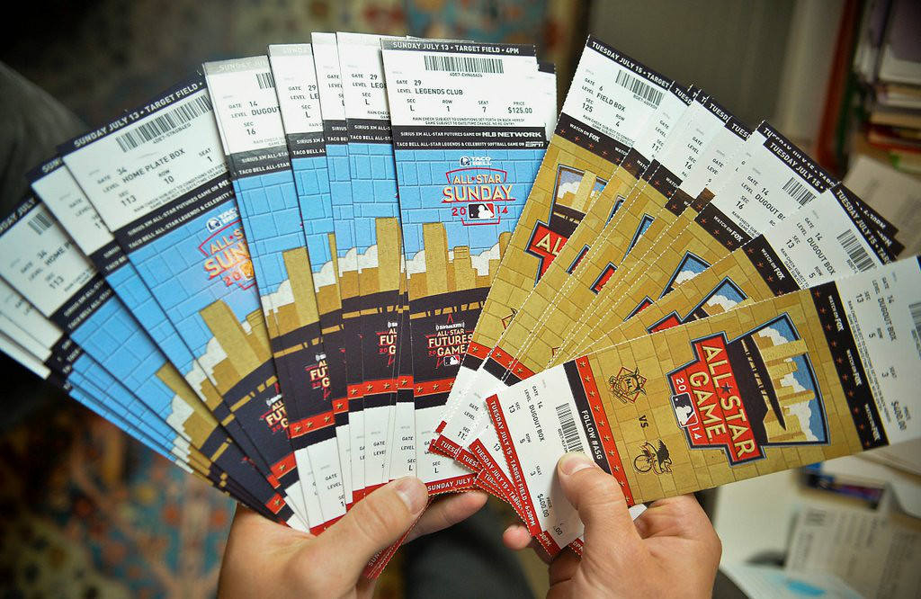""". 20. (tie) ALL-STAR GAME <p>Plenty of good seats available, if you�re willing to sell off a kidney or two.   <p><b><a href=\'http://www.twincities.com/twins/ci_26035196/all-star-game-tickets-are-getting-costly\' target=\""""_blank\""""> LINK </a></b> <p>   (Pioneer Press: Ben Garvin)"""
