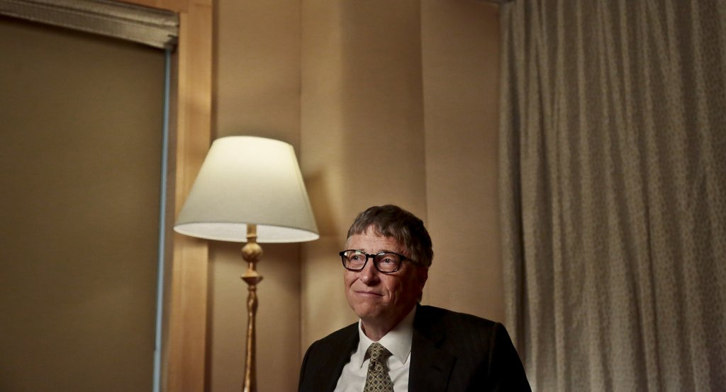 """. <p>6. BILL GATES <p>We can sleep easier now knowing that he�s the world�s richest man again. (unranked) <p><b><a href=\'http://www.twincities.com/business/ci_25265715/gates-back-top-forbes-billionaire-rankings\' target=\""""_blank\""""> HUH?</a></b> <p>    (AP Photo/Bebeto Matthews, File)"""