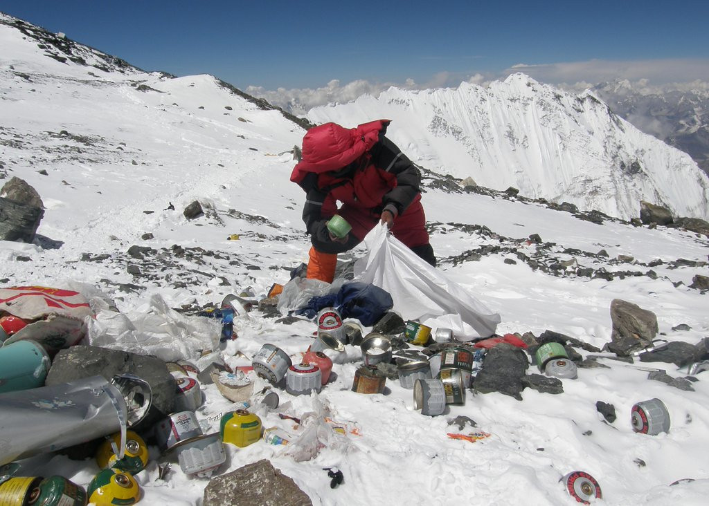 """. <p>10. (tie) MOUNT EVEREST <p>Just as trashy as most teenagers� bedrooms, only with more empty oxygen tanks. (10) <p><b><a href=\'http://www.nytimes.com/2014/03/04/world/asia/climbing-mt-everest-nepal-says-bring-back-garbage.html?_r=0\' target=\""""_blank\""""> HUH?</a></b> <p>   (Namgyal Sherpa/AFP/Getty Images)"""