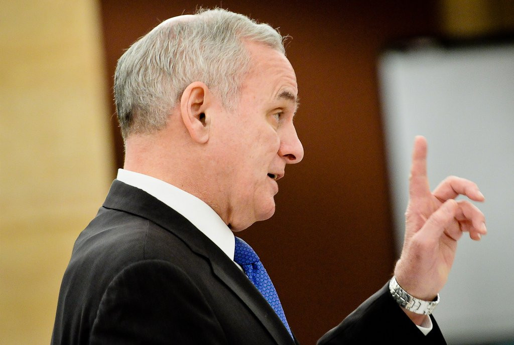 """. <p>10. (tie) MARK DAYTON <p>Delusional governor believes taxpayers only want half of their surplus back. (previous ranking: unranked) <p><b><a href=\'http://www.twincities.com/politics/ci_25287733/gov-dayton-proposes-616-million-tax-cuts\' target=\""""_blank\""""> HUH?</a></b> <p>   (Pioneer Press: Ben Garvin)"""