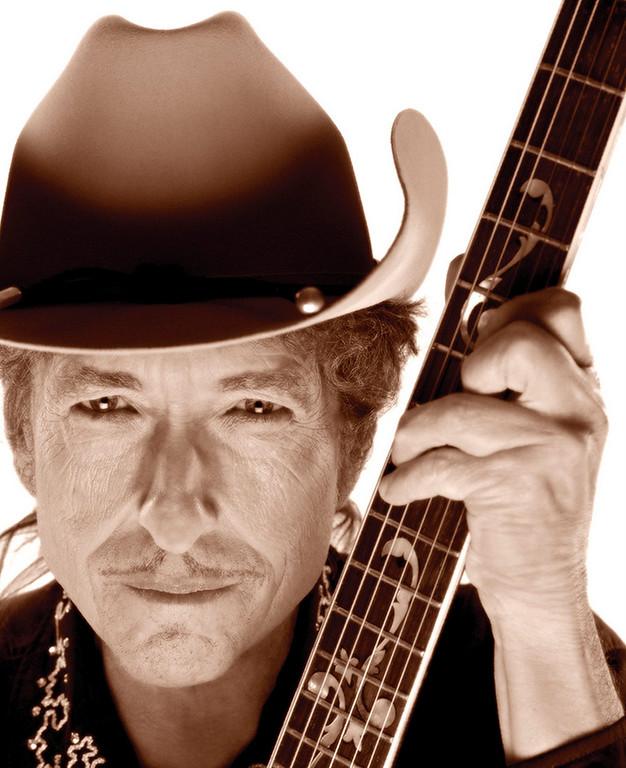 . A portrait to accompany Dylan\'s 2009 Christmas album