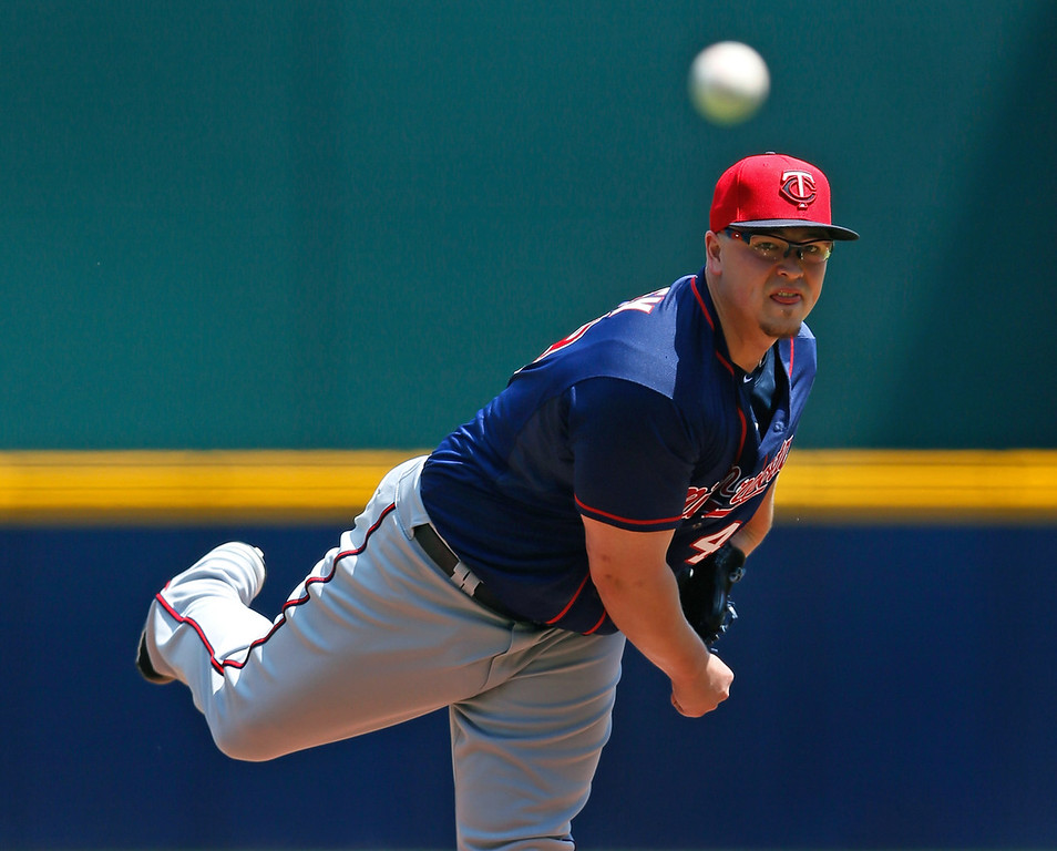 . Twins starter Vance Worley throws in the first inning against the the Braves.  (Photo by Kevin C. Cox/Getty Images)