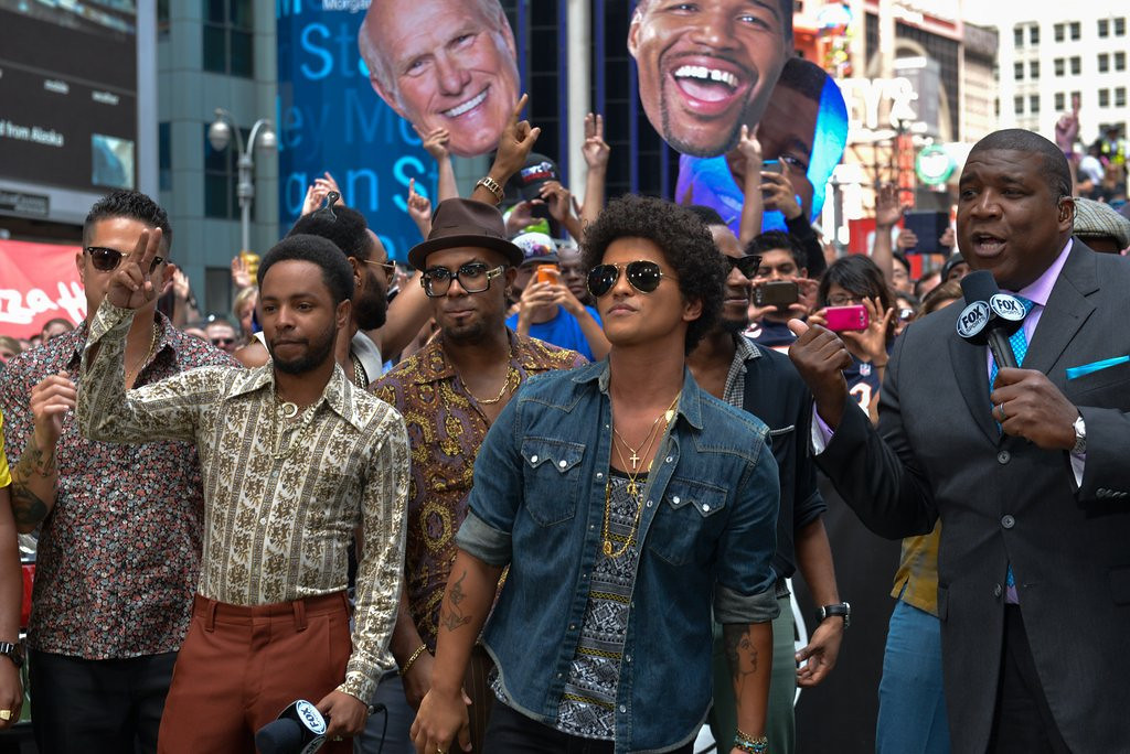 ". <p>10. (tie) BRUNO MARS <p>Can be counted on to add some needed testosterone to the Super Bowl halftime show. Or not. (previous ranking: unranked) <p><b><a href=\'http://www.twincities.com/entertainment/ci_24040674/bruno-mars-sing-at-super-bowl-half\' target=""_blank\""> HUH?</a></b> <p>    (Russ DeSantis / AP Images for National Football League)"