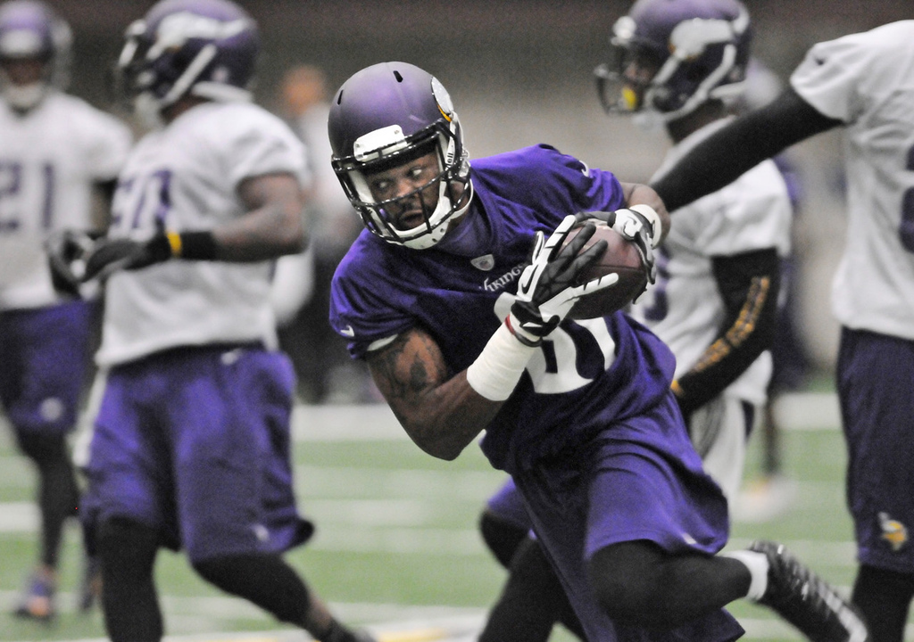 . Vikings wide receiver Jerome Simpson makes a reception during practice. (Pioneer Press: Jean Pieri)