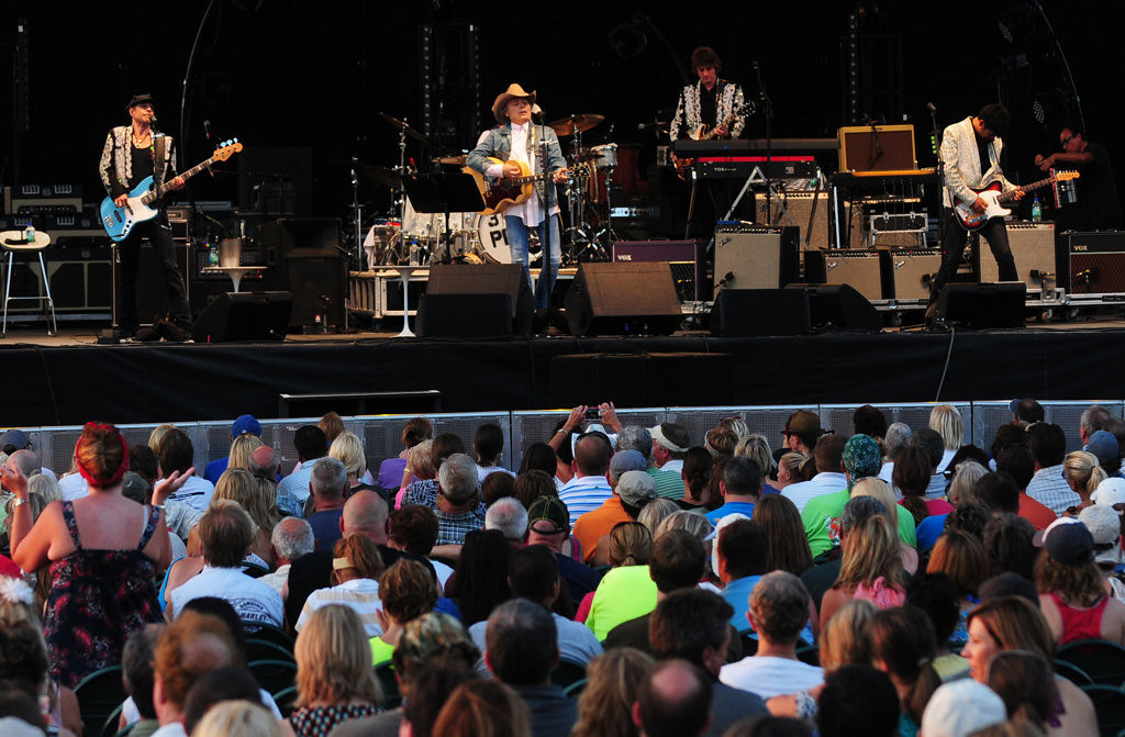 . Dwight Yoakam and his band  played at the Minnesota State Fair Grandstand   Sunday night, August 25, 2013. (Pioneer Press: Scott Takushi)