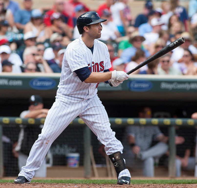 . Minnesota Twins\' Brian Dozier bats during the eighth inning. (AP Photo/Paul Battaglia)