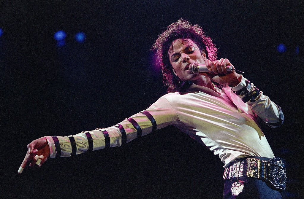 ". <p><b> Viewers tuning in to the Billboard Music Awards on Sunday night were treated to this freakish spectacle � </b> <p> A. Michael Jackson�s hologram <p> B. Miley Cyrus� new video <p> C. A Kardashian family member attempting to read <p><b><a href=\'http://www.twincities.com/breakingnews/ci_25777515/companies-sue-over-possible-jackson-hologram-use\' target=""_blank\""> LINK </a></b> <p>     (AP Photo/Cliff Schiappa, file)"