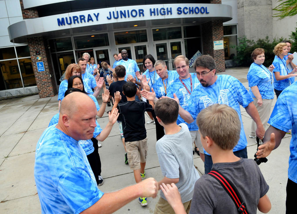 . Murray middle-schoolers are greeted by faculty as they arrive Thursday  morning. (Pioneer Press: John Doman)