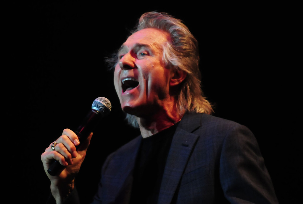 """. Gary Puckett performs his September 1968 hit \""""Over You\"""" at the Happy Together concert. (Pioneer Press: Scott Takushi)"""