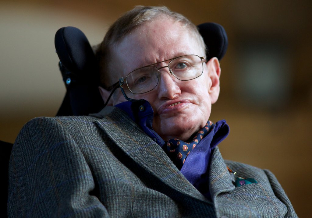 """. <p><b> The famed astrophysicist Stephen Hawking made news this week when he predicted that, in 50 years, we�ll all be living on this � </b> <p> A. Moon <p> B. Mars <p> C. Food stamps <p><b><a href=\'http://www.dailymail.co.uk/sciencetech/article-2582588/In-50-years-living-moon-way-Mars-Stephen-Hawking-claims-century-true-space-age.html\' target=\""""_blank\"""">HUH?</a></b> <p>   (AFP photo/Andrew Cowie)"""
