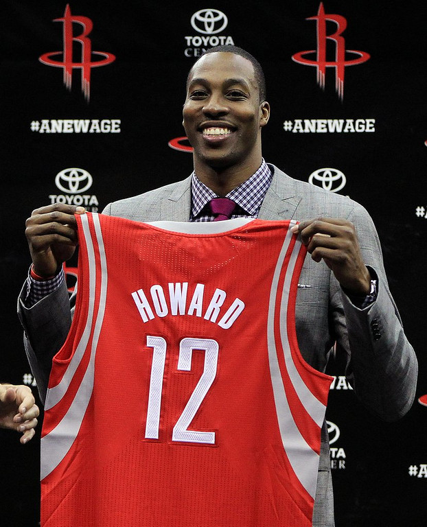 ". <p><b><a href=\'http://sports.yahoo.com/news/nba--rockets-give-dwight-howard-what-lakers--kobe-wouldn-t--unconditional-love-061137592.html\' target=""_blank\""> 6. (tie) Dwight Howard  </a></b> <p>Kevin McHale�s sharpest pickup since he drafted Ndudi Ebi out of junior high school. (unranked) <p> --------------------------------------------   (AP Photo/Houston Chronicle, Karen Warren)"