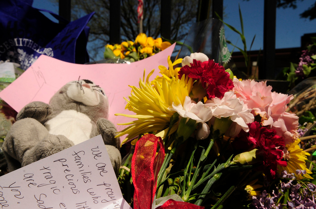 . The makeshift memorial outside Peter Hobart Elementary School in St. Louis Park on Thursday. (Pioneer Press: Scott Takushi)