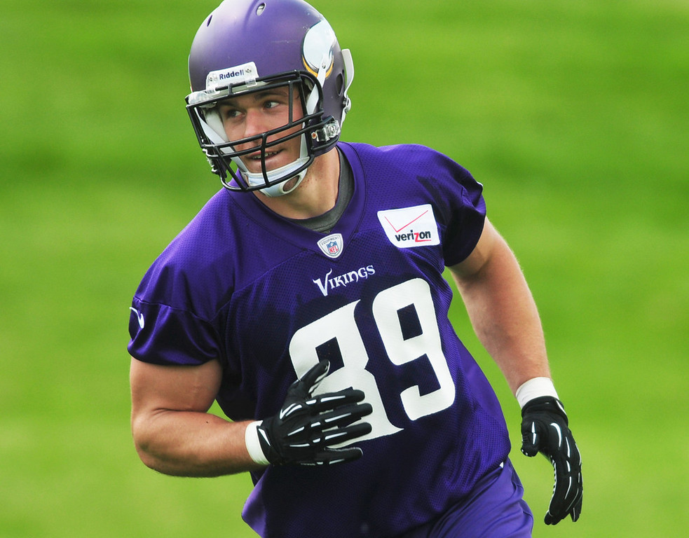 """. \""""I was disappointed in last year, and I�m focused on getting better and trying to stay healthy,\"""" said Vikings tight end John Carlson, who participated in the team\'s minicamp on Tuesday.  (Pioneer Press: Scott Takushi)"""