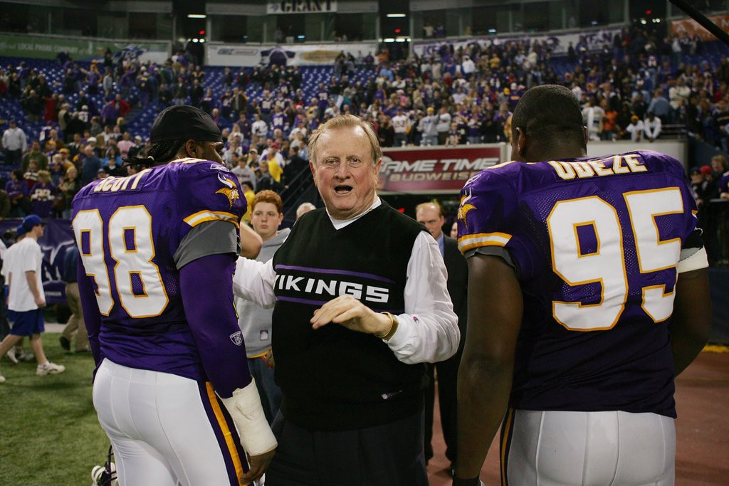 """. <p>3. (tie) RED McCOMBS <p>The great thing about being a billionaire is that it allows you to PRETEND you know something about football. (unranked) <p><b><a href=\'http://www.twincities.com/sports/ci_24863129/prominent-texas-donor-mccombs-bashes-strong-hire\' target=\""""_blank\""""> HUH?</a></b> <p>   (Elsa/Getty Images)"""