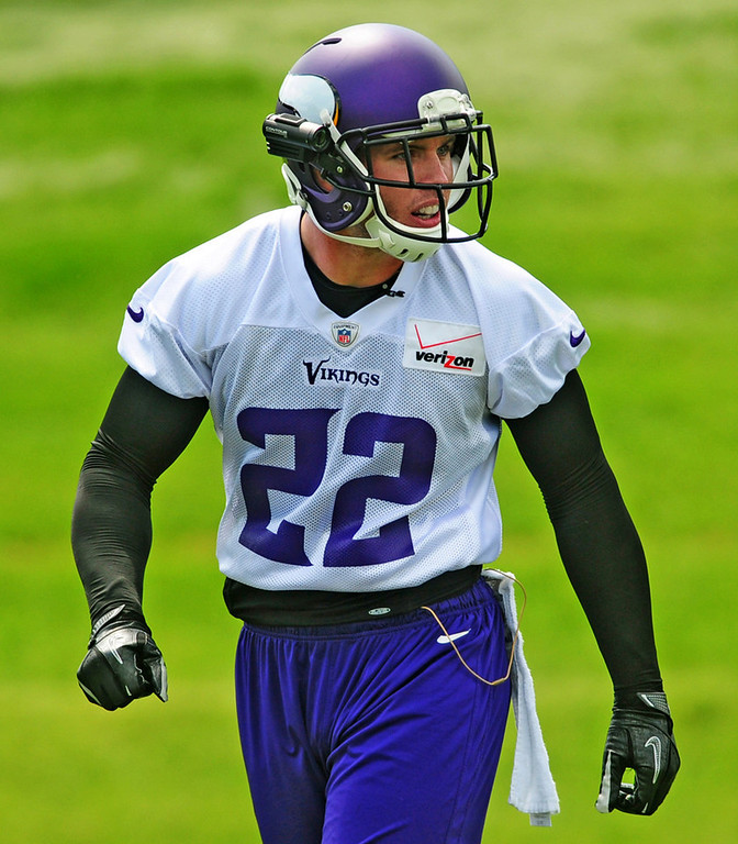. Vikings safety Harrison Smith waits at the scrimmage line during the team\'s minicamp on Tuesday.  (Pioneer Press: Scott Takushi)