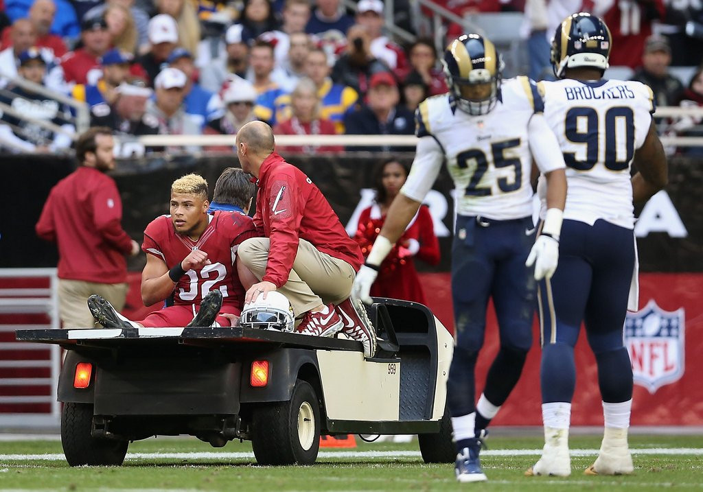 . <p><b> Cardinals at Titans (+2½):</b> <p>Arizona rookie safety Tyrann Mathieu watched his season come to an abrupt end when he blew out his knee Sunday against St. Louis. It�s the first time the Honey Badger has been sidelined by something other than weed. <p>Pick: <b>Cardinals by 7</b> <p>    (Christian Petersen/Getty Images)