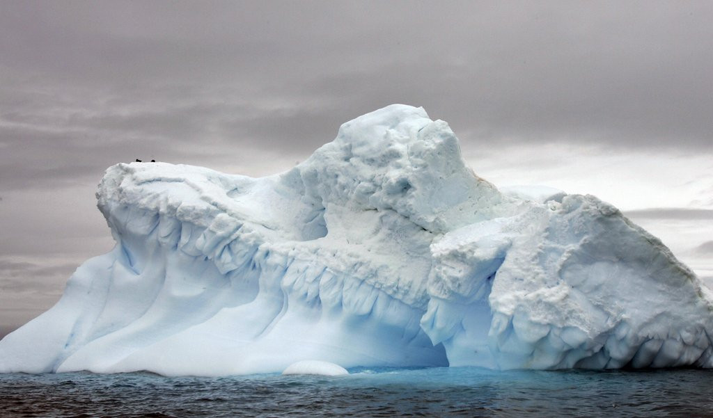 ". <p><b> NASA scientists this week predicted that ocean levels could rise as much as 10 feet when � </b> <p> A. An enormous Antarctic ice sheet collapses <p> B. Global warming intensifies <p> C. Bartolo Colon goes swimming <p><b><a href=\'http://www.nytimes.com/2014/05/13/science/earth/collapse-of-parts-of-west-antarctica-ice-sheet-has-begun-scientists-say.html?_r=0\' target=""_blank\"">LINK</a></b> <p>    (Rodrigo Arangua/AFP/Getty Images)"