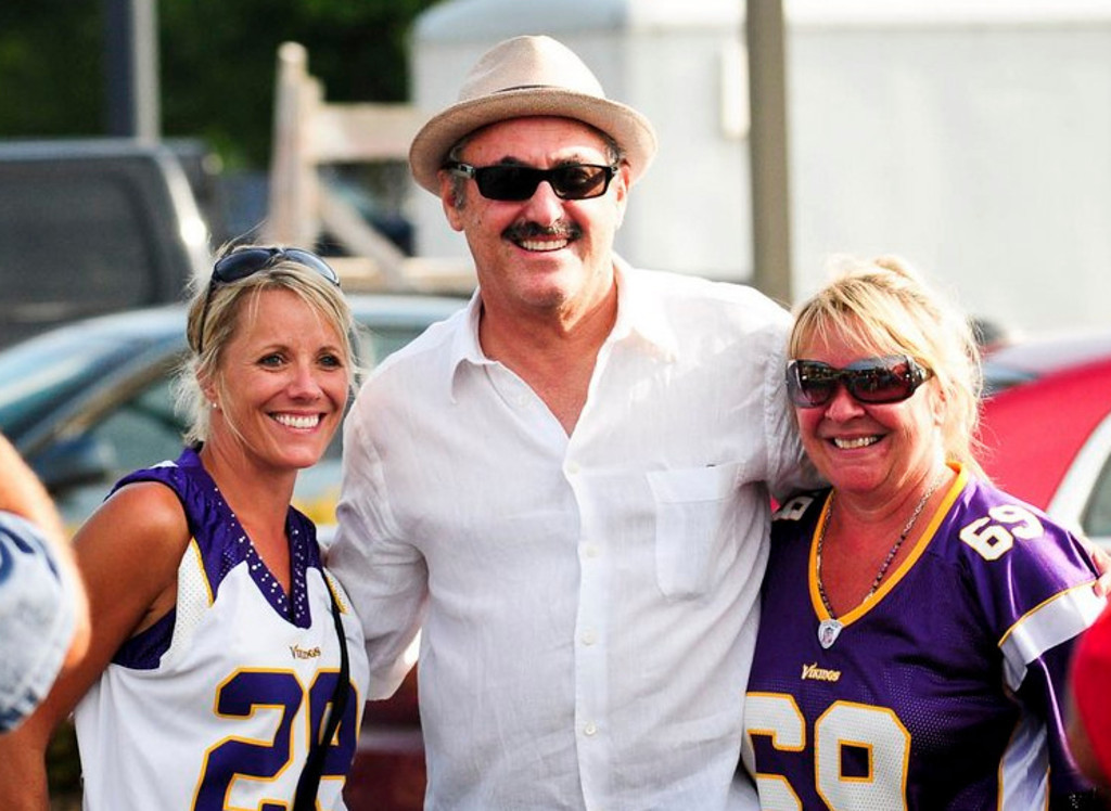 """. <p>1. ZYGI & MARK WILF <p>Vikings� owners are willing to spend millions to hide their hundreds of millions. (unranked) <p><b><a href=\'http://www.twincities.com/politics/ci_24003964/vikings-owners-seek-keep-family-worth-private-court\' target=\""""_blank\""""> HUH?</a></b> <p>   <p>OTHERS RECEIVING VOTES <p> Matt Flynn, Jared Sullinger, Hayden Panettiere�s tattoo, Katie Couric, Chris Perez, J�Marcus Webb, Roger Federer, Bashar al-Assad, �Vodka Samm�, Craig James, Molly, Mark Sanchez. John Boehner. <p>  COMING THURSDAY: The return of The Loop NFL Picks ... the Week 1 variety.  (Pioneer Press: Ben Garvin) <p> <br><p>Follow Kevin Cusick on <a href=\'http://twitter.com/theloopnow\'>twitter.com/theloopnow</a>."""
