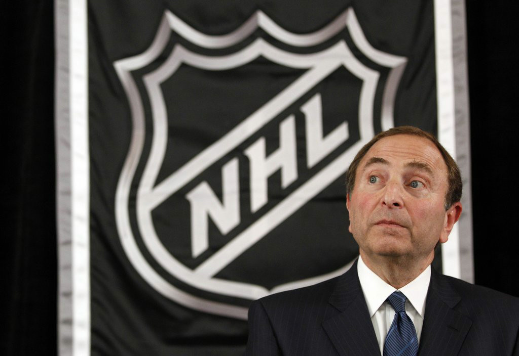 """. 8. (tie) NHL <p>Even Gary Bettman�s boys aren�t clueless enough to expand to 34 teams. (unranked) </p><p><b><a href=\""""http://www.torontosun.com/2014/08/27/not-in-our-plans-nhl-shoots-down-expansion-report\"""" target=\""""_blank\""""> LINK </a></b> </p><p>     (AP Photo/Mary Altaffer)</p>"""