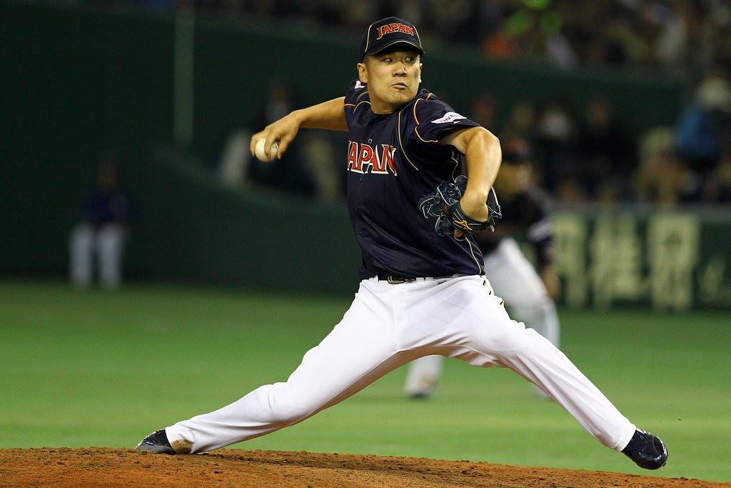". <p>7. (tie) MASAHIRO TANAKA <p>Japanese ace picks Yankees over Cubs because � DUH! (unranked) <p><b><a href=\'http://www.twincities.com/sports/ci_24966818/masahiro-tanaka-new-york-yankees-agree-155-million\' target=\""_blank\""> HUH?</a></b> <p>    (Koji Watanabe/Getty Images)"