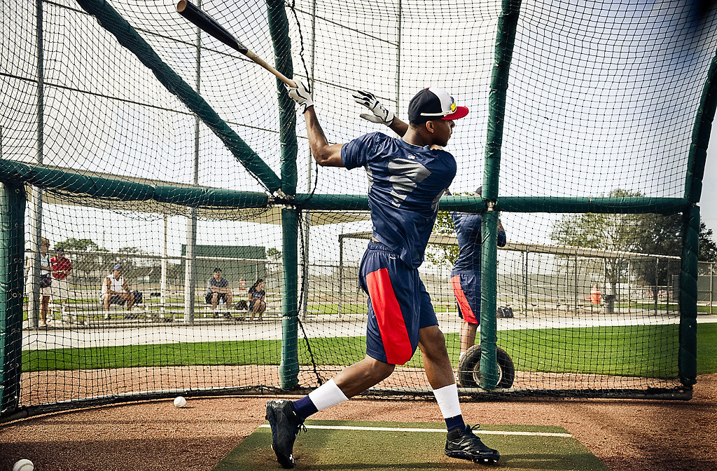 . Twins rookie Byron Buxton follows through in the cage. (Pioneer Press: Ben Garvin)