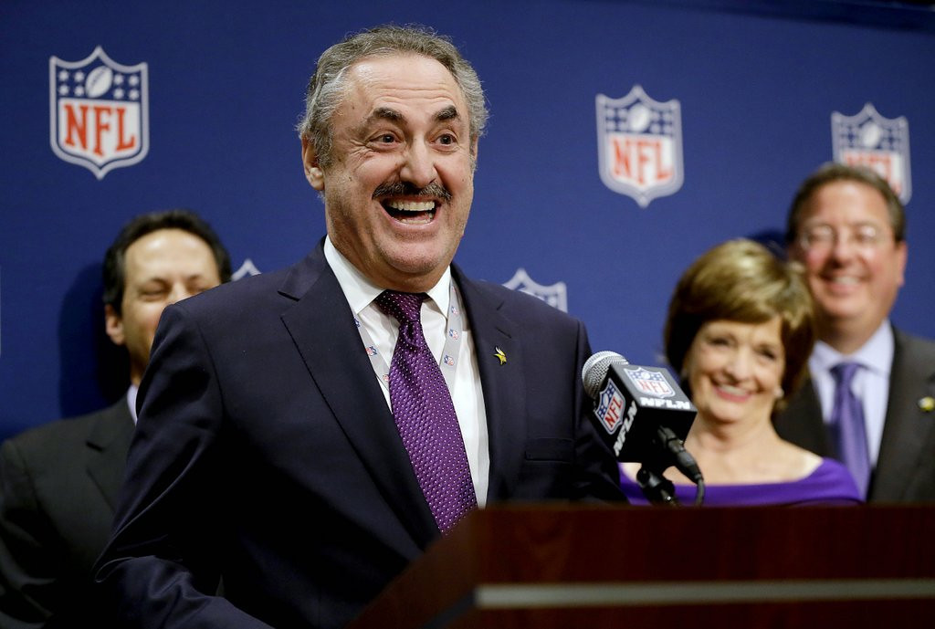". <p><b> Vikings owner Zygi Wilf was all smiles on Tuesday when he found out that � </b> <p> A. Minnesota was awarded the 2018 Super Bowl <p> B. His new stadium will be completed ahead of schedule <p> C. He was granted another 20-year delay in his New Jersey racketeering case <p><b><a href=\'http://www.twincities.com/sports/ci_25799920/minnesotas-super-bowl-bid\' target=""_blank\""> LINK </a></b> <p>     (AP Photo/David Goldman)"