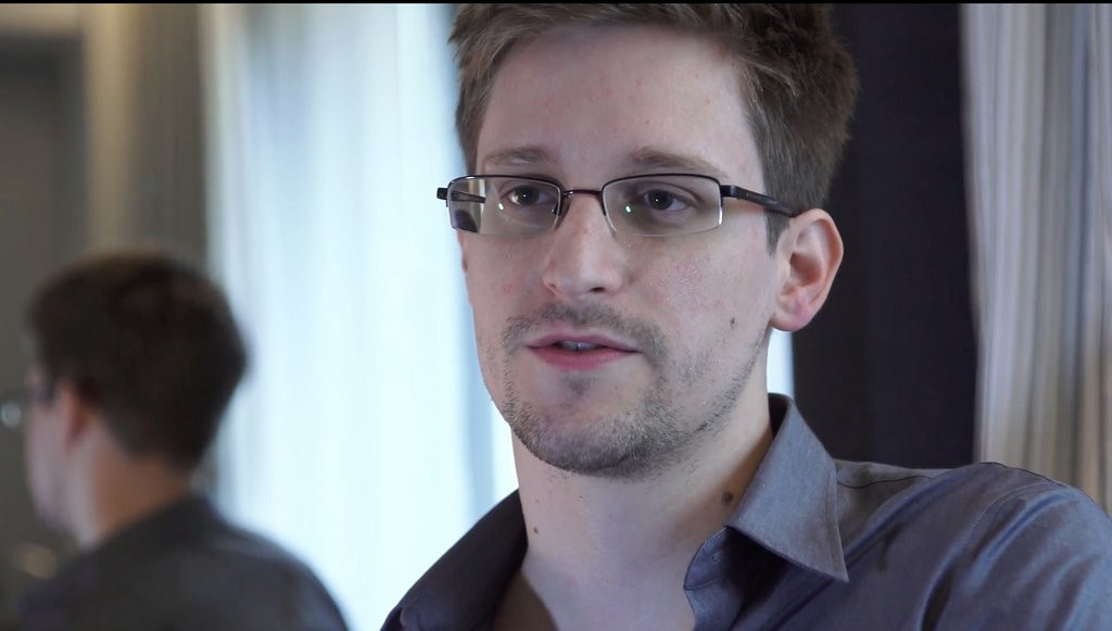 """. <p>25. EDWARD SNOWDEN <p>NSA snoop was very anti-American until he actually tried living somewhere else. <p><b><a href=\'http://www.cnn.com/2013/12/17/world/americas/snowden-nsa-brazil-letter/\' target=\""""_blank\""""> HUH?</a></b> <p>    (AP Photo/The Guardian, Glenn Greenwald and Laura Poitras, File)"""