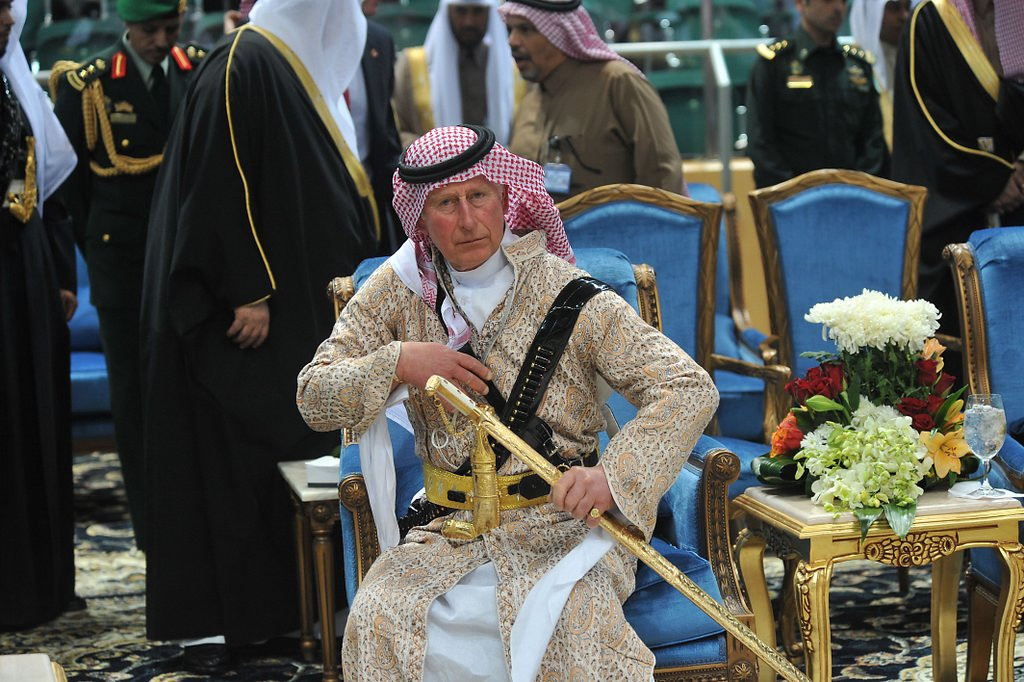 ". <p>9. PRINCE CHARLES <p>His Saudi get-up makes him look like Lawrence of Arrhythmia. (unranked) <p><b><a href=\'http://www.twincities.com/news/ci_25179139/saudi-arabia-prince-charles-shows-his-moves\' target=""_blank\""> HUH?</a></b> <p>    (AP Photo/Fayez Nureldine, pool)"