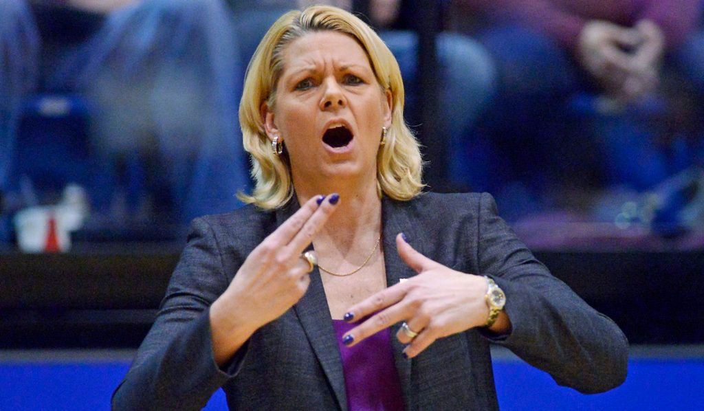 """. <p>3. (tie) PAM BORTON  <p>Gophers finally replace women�s hoop coach, now that nobody is paying attention anymore. (unranked) <p><b><a href=\'http://www.twincities.com/sports/ci_25441576/gophers-fire-womens-basketball-coach-pam-borton\' target=\""""_blank\""""> HUH?</a></b> <p>   (AP Photo/Argus Leader, Elisha Page)"""