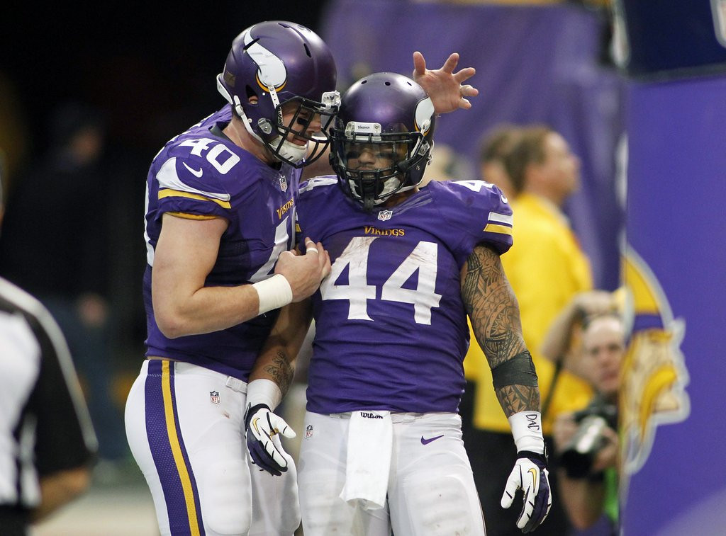 . <p><b> Vikings at Bengals (-7½):</b>  <p>The return of Adrian Peterson and Toby Gerhart means it�s back to the bench for the Vikings� Matt Asiata. The fullback had three rushing touchdowns on Sunday, tying the record for most TDs by a Viking in his first career start and breaking the record for most TDs in his final career start. <p>Pick: <b>Bengals by 4</b> <p>    (AP Photo/Andy King)