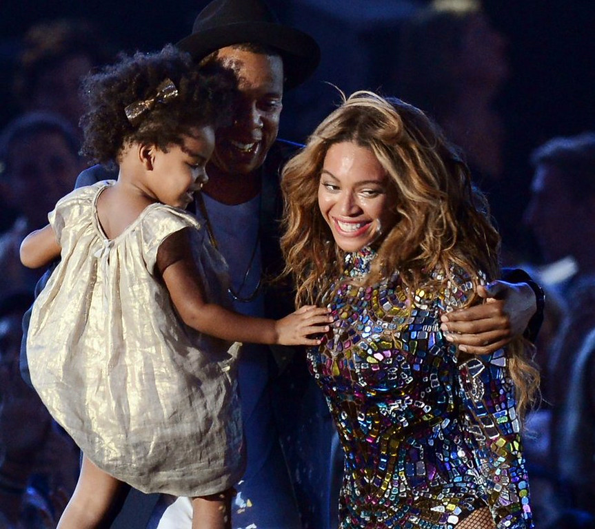 ". 10. (tie) BEYONCE <p>Prays every single night that Blue Ivy doesn�t get her father�s looks. (unranked) </p><p><b><a href=""http://www.foxnews.com/entertainment/2014/08/25/beyonces-feminist-vma-message-prompts-some-eye-rolls/\"" target=\""_blank\""> LINK </a></b> </p><p>    (Robyn Beck/AFP/Getty Images)</p>"