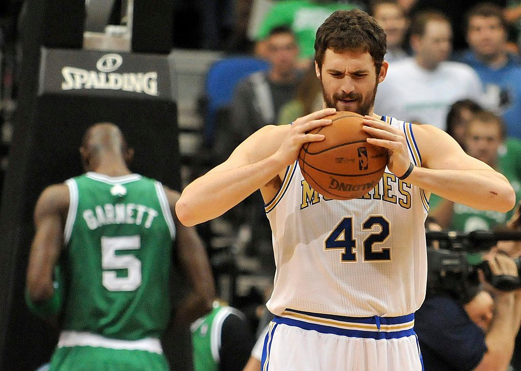 ". <p>1. KEVIN LOVE <p>Wolves� lone star is SO outta here! (unranked) <p><b><a href=\'http://www.twincities.com/sports/ci_24877797/timberwolves-kevin-love-torches-teammates-after-latest-loss\' target=""_blank\""> HUH?</a></b> <p>   <p>OTHERS RECEIVING VOTES <p> Jay Gruden, Yasiel Puig, Alex Rodriguez, dead bats, George Washington Bridge, Red McCombs, St. Paul, Michael Schumacher, Lindsey Vonn, Tim Brewster, Aaron Hernandez, Bobby Petrino, frostbite, Insane Clown Posse, Johnny Manziel, atomic wedgies, Paul McCartney & Ringo Starr, Lindsay Lohan�s stolen computer, Roger Ailes, Meryl Streep, Jeff Ireland, Robert Gates, Noah Spence, Liz Cheney. <p> <p>EDITOR�S NOTE <p> Hard to believe, but it�s time for another Loop vacation. But we�ll have our NFL conference championship picks next week, and the onslaught of other Loop News Products will resume on Tuesday, January 21. <p> <br><p> You can follow Kevin Cusick at <a href=\'http://twitter.com/theloopnow\'>twitter.com/theloopnow</a>.   (Pioneer Press: John Autey)"