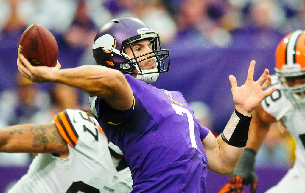. Vikings quarterback Christian Ponder throws in the second quarter against the Browns.   (Pioneer Press: Ben Garvin)