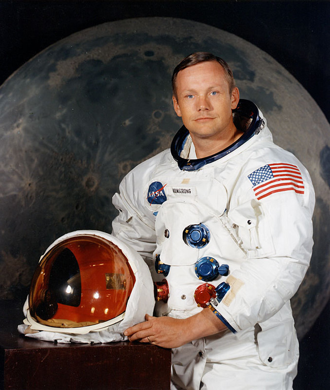 """. <p>8. NEIL ARMSTRONG <p>Memo to ABC: The first man on the moon is valiantly holding on in his fight to remain dead. (unranked) <p><b><a href=\'http://jimromenesko.com/2013/08/27/dear-abc-news-and-others-neil-armstrong-died-last-august/\' target=\""""_blank\""""> HUH?</a></b> <p>    (AFP/Getty Images)"""