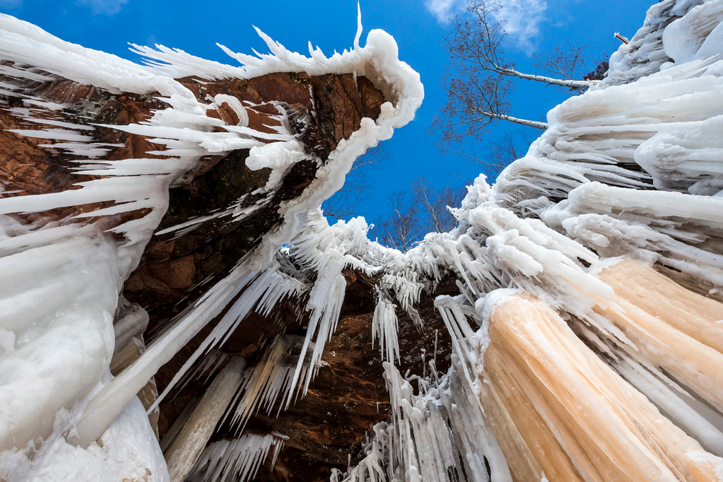 . Needle-like icicles fill Lake Superior\'s mainland cliffs at the Apostle Islands National Lakeshore, along the shore of Lake Superior, in Wisconsin on Saturday, January 25, 2014. Waterfalls, underground springs and wave water have all helped sculpt the spectacular formations. (Pioneer Press: Andy Rathbun)