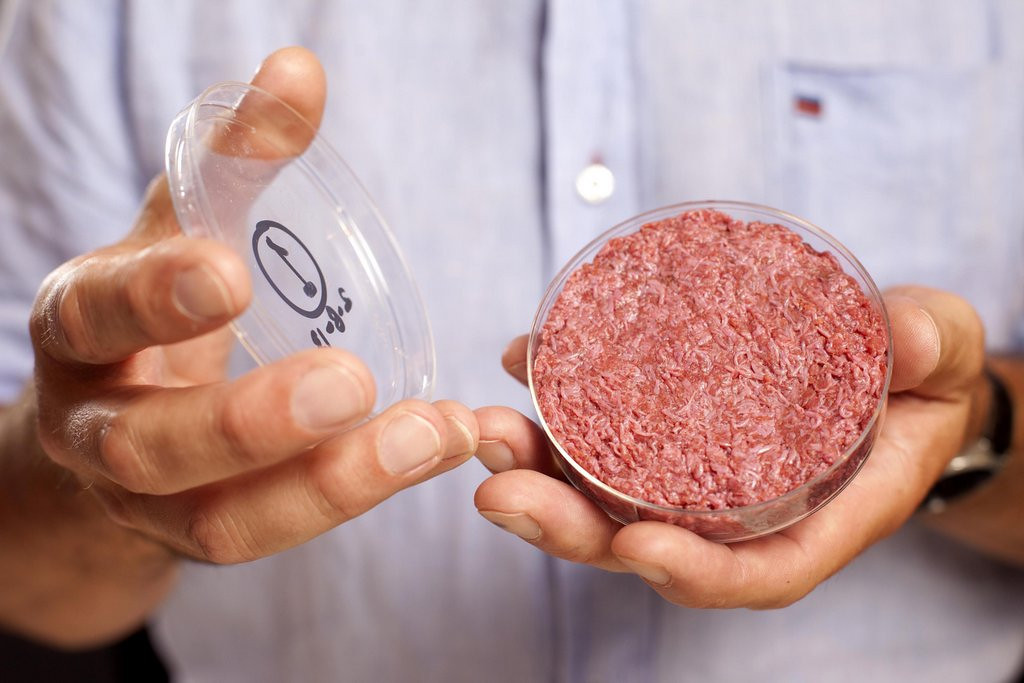 """. <p><b><a href=\'http://www.dailymail.co.uk/sciencetech/article-2384715/At-tastes-meat--Worlds-test-tube-artificial-beef-Googleburger-gets-GOOD-review-eaten-time.html\' target=\""""_blank\""""> 10. (tie) Test tube beef </a></b> <p>The key ingredient in a delicious Petri Hotdish? (4) <p> --------------------------------------------   (AP Photo / David Parry, PA)"""