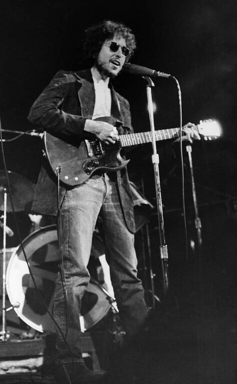 . Pop Singer Bob Dylan at a surprise appearance at the Academy of Music in New York City on New Years Day 1972. (AP Photo)