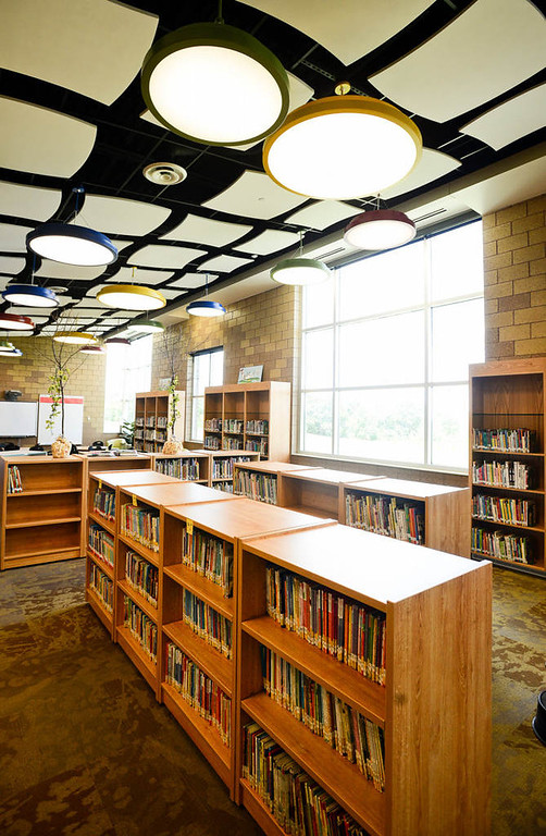 . A view of the library inside Wildwood Elementary. The new 88,000-square-foot building will include an early-childhood education center in addition to the 585 kindergartners, first-graders and second-graders. (Pioneer Press: Ben Garvin)