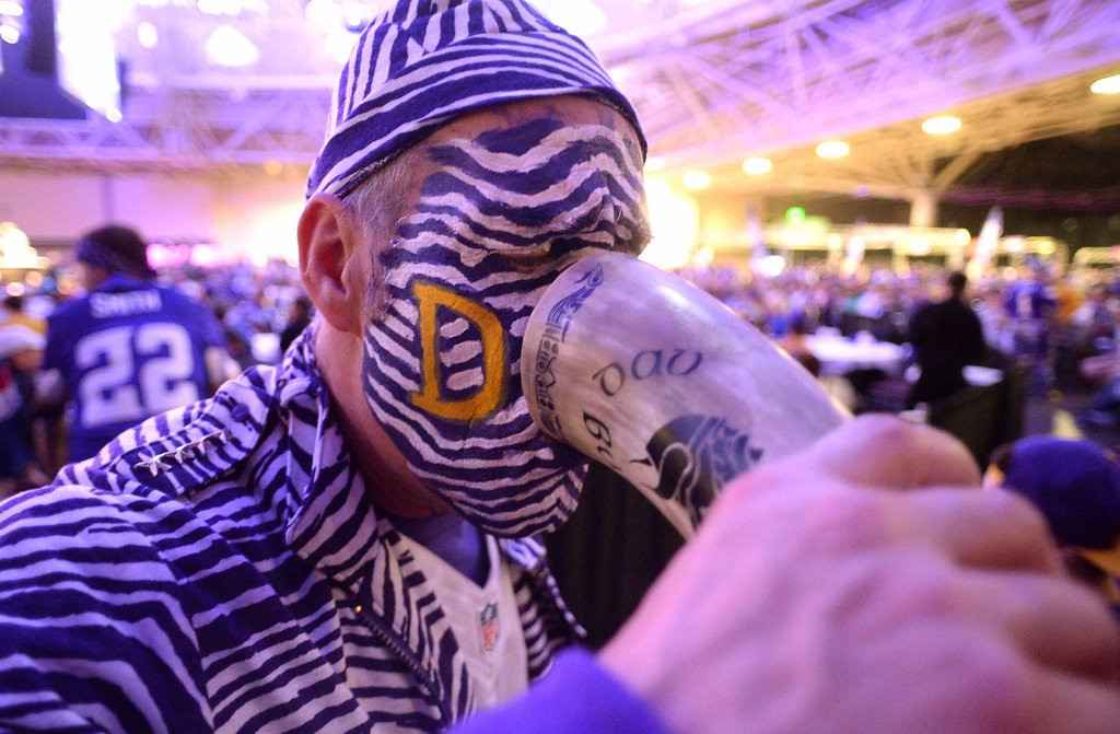 . <b>5. VIKINGS DRAFT PARTY </b> <p>Let�s hope most attendees used their first pick on a designated driver. <p>    (Pioneer Press: John Autey)