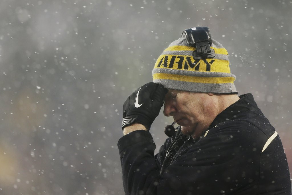 """. <p>10. (tie) ARMY CADETS <p>Used to occasionally beat Navy in a previous century. (unranked) <p><b><a href=\'http://www.usatoday.com/story/sports/ncaaf/2013/12/14/navy-beats-army-34-7-12-in-a-row/4025693/\' target=\""""_blank\""""> HUH?</a></b> <p>    (AP Photo/Matt Rourke)"""