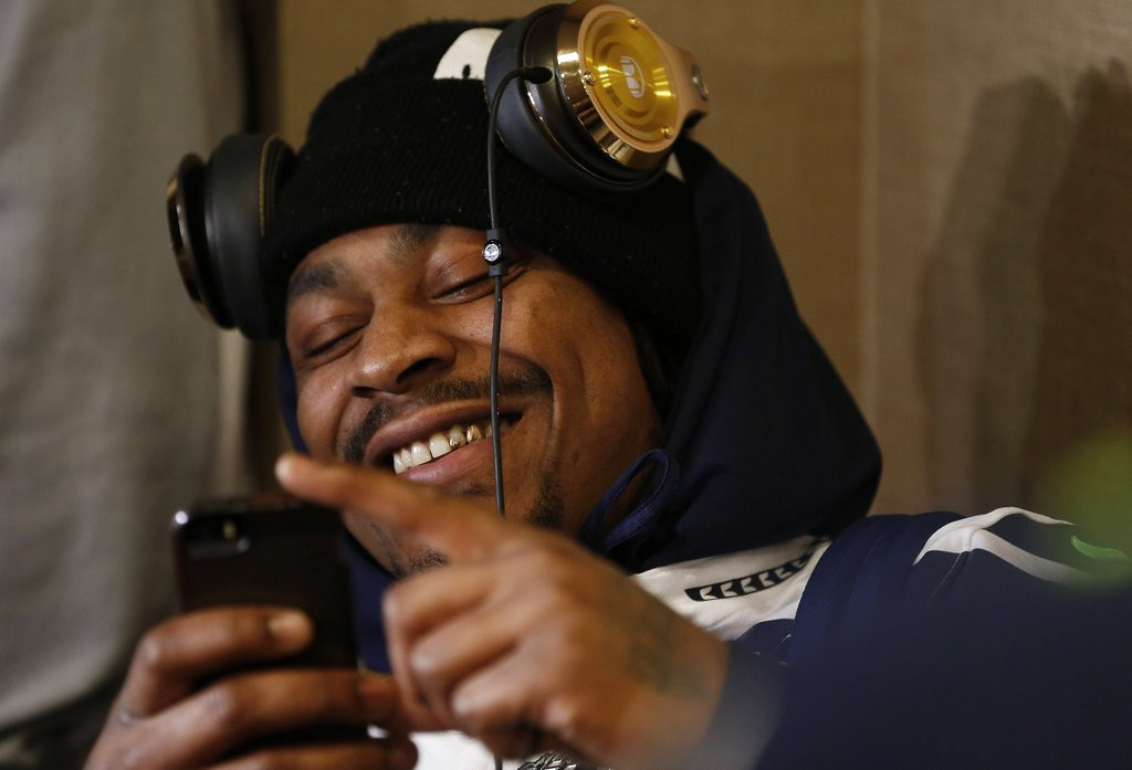 ". <p>2. MARSHAWN LYNCH <p>Seahawks ready to shatter the Super Bowl record for most ingrates. (unranked) <p><b><a href=\'http://espn.go.com/nfl/playoffs/2013/story/_/id/10370155/super-bowl-marshawn-lynch-seattle-seahawks-leaves-media-session-second-straight-day\' target=""_blank\""> HUH?</a></b> <p>   (Jeff Zelevansky/Getty Images)"