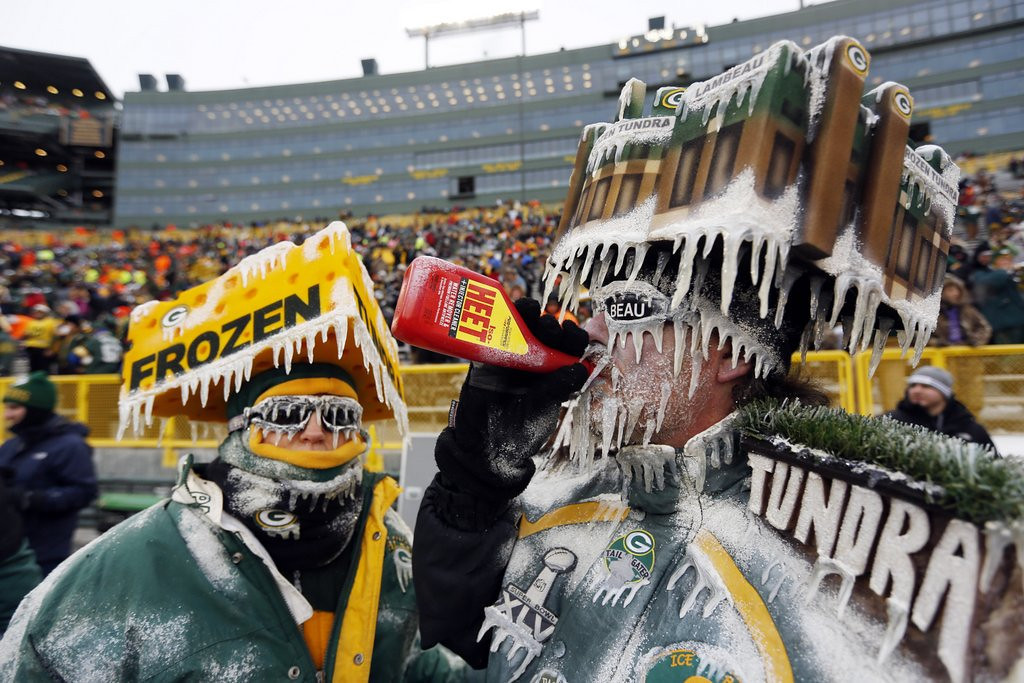 """. <p>3. GREEN BAY PACKERS <p>If you sat through Sunday�s season-ending debacle, you�d need some anti-freeze, too. (4) <p><b><a href=\'http://www.twincities.com/sports/ci_24853282/green-bay-packers-loss-leaves-fans-cold-disappointed\' target=\""""_blank\""""> HUH?</a></b> <p>    (AP Photo/Mike Roemer)"""