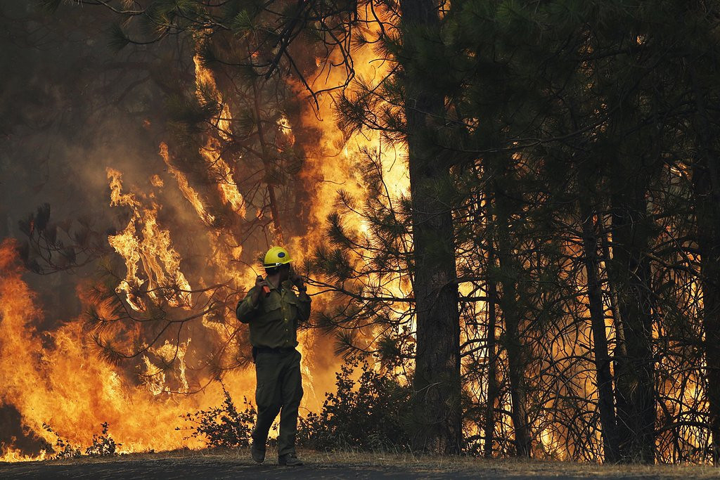 """. <p>8. YOSEMITE NATIONAL PARK <p>You have to be impressed with a forest fire that creates its own weather pattern. (unranked) <p><b><a href=\'http://www.twincities.com/national/ci_23942502/crews-battle-huge-wildfire-raging-yosemite-area\' target=\""""_blank\""""> HUH?</a></b> <p>   (AP Photo/Jae C. Hong)"""